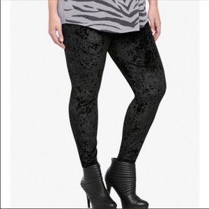 Torrid stretch Black Velvet Holiday Leggings 2x